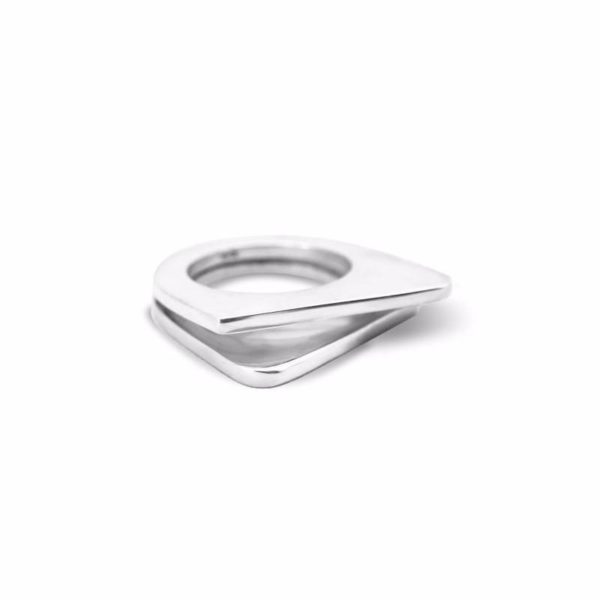 Woman sterling silver ring handmade by Fomo bali